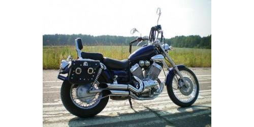 Классические японские мотоциклы 90х годов, с двигателями объемом в 400 кубиков.